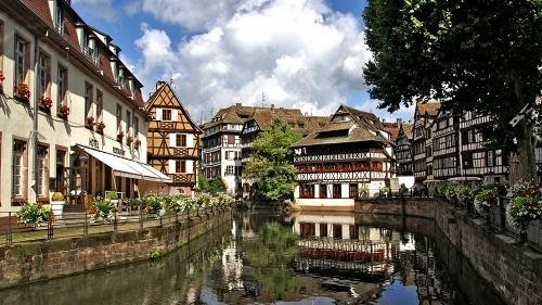 Fréquences FM de la ville 'Strasbourg'